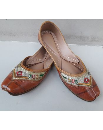 Buy Online punjabi jutti brown casual juties