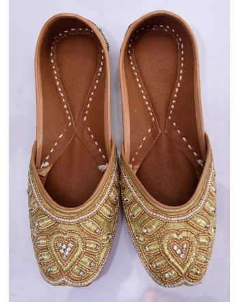 Women gold color bridal jutti punjabi jutti
