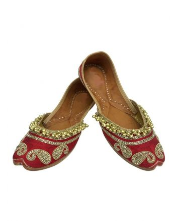 Red Color Punjabi Bridal Jutti
